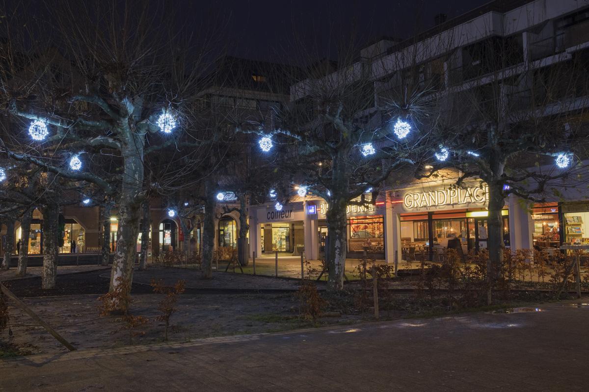 Noël : la grand-place de Louvain-la-neuve