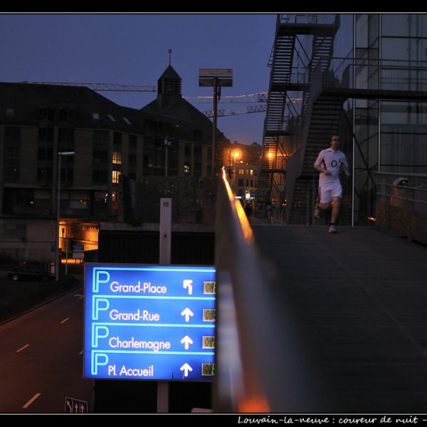 Louvain-la-neuve : coureur de nuit